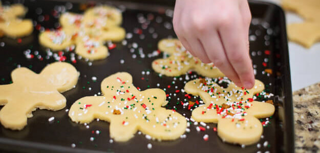 """Featured image for """"Best Cheap Snacks for Holiday Parties"""""""
