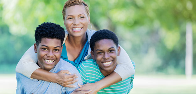 5 Safe Ways to Help Your Children Build Their Credit